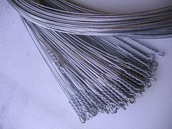 Baling Wire Bundles : Looped cotton bale ties tie wire designed for easy